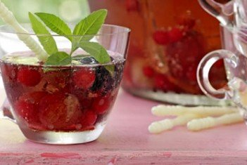 Alkoholfreie  Obst-Sylvesterbowle
